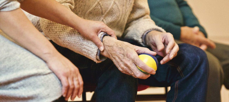 La importancia de la fisioterapia en personas mayores